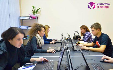 Графічні дизайнери Vinnytsia IT School
